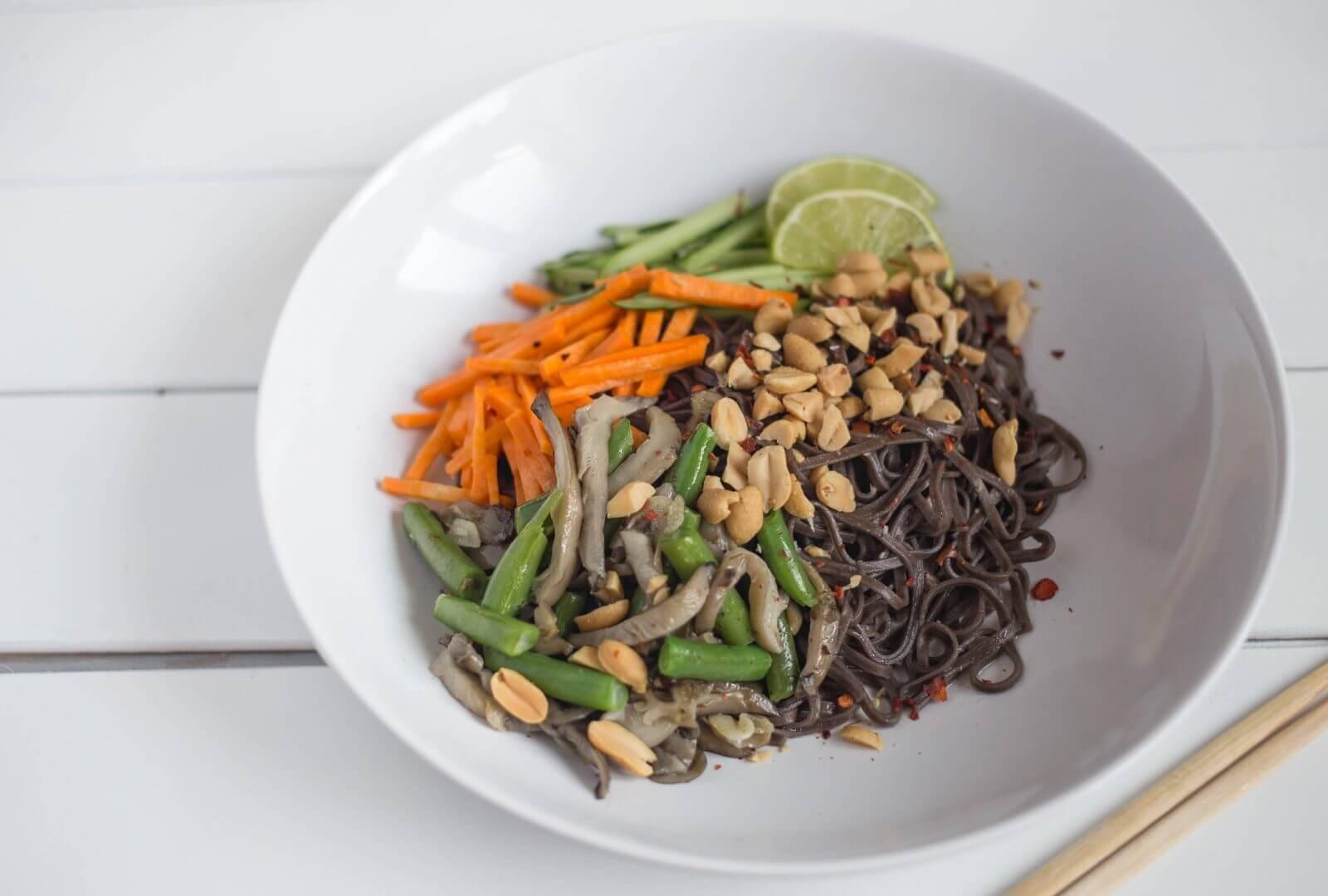 Постный рецепт лапши с овощами