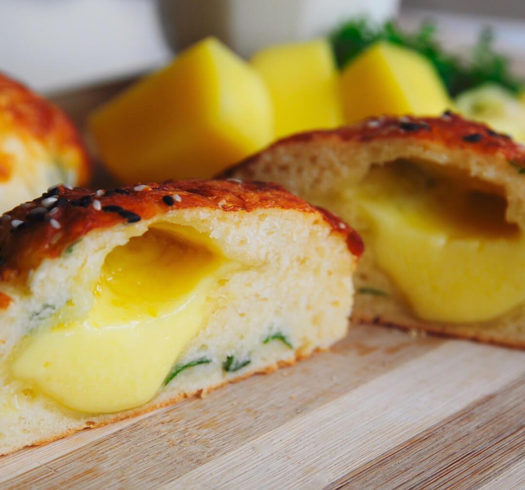 Сырные булочки с сырной начинкой