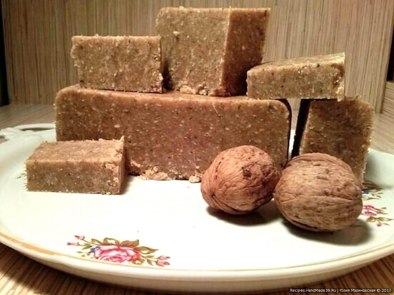 Домашняя ореховая халва с кокосом