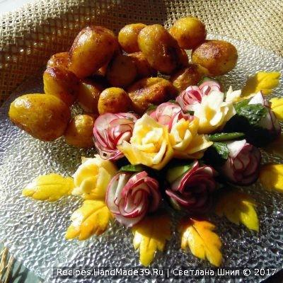 Молодой картофель в мундире, запечённый в рукаве с приправами