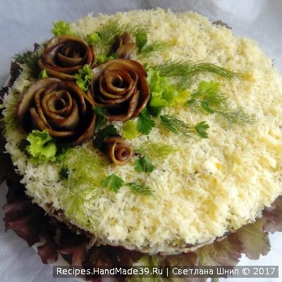 Многослойный салат «Шуба» с грибами