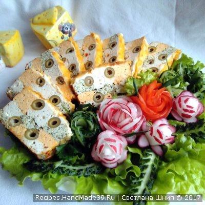 Французский паштет-запеканка из курицы с оливками