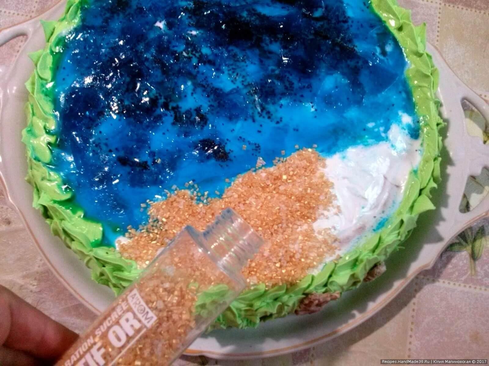 Для имитации берега использовать готовые сахарные кристаллы песочного цвета
