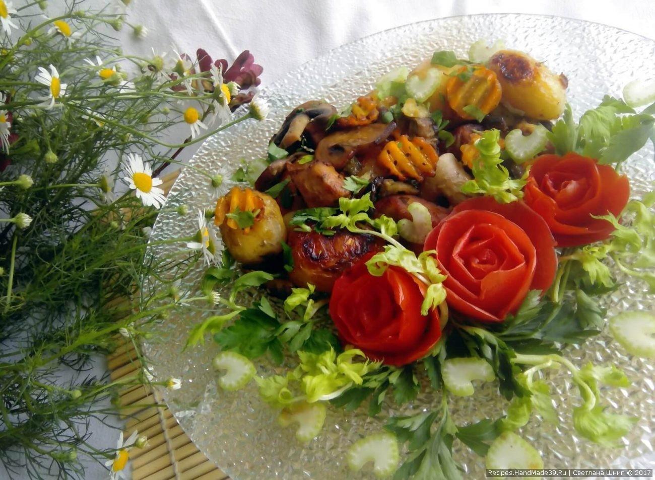 Мясо в рукаве с картошкой, овощами и грибами