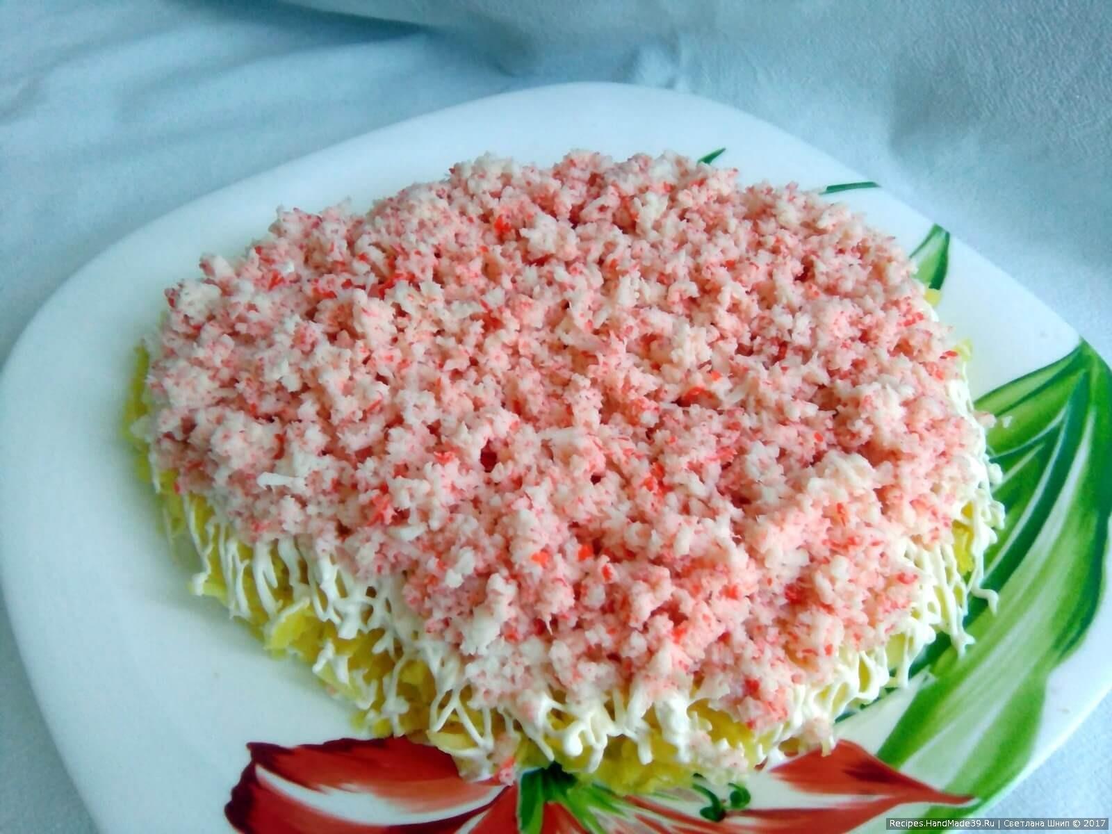 Крабовый салат по новому рецепту фото