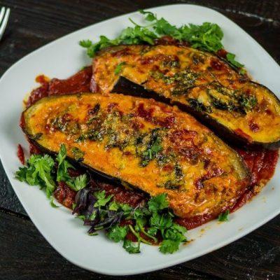Запечённые баклажаны с томатно-мясной начинкой и сыром – пошаговый восточный рецепт с фото