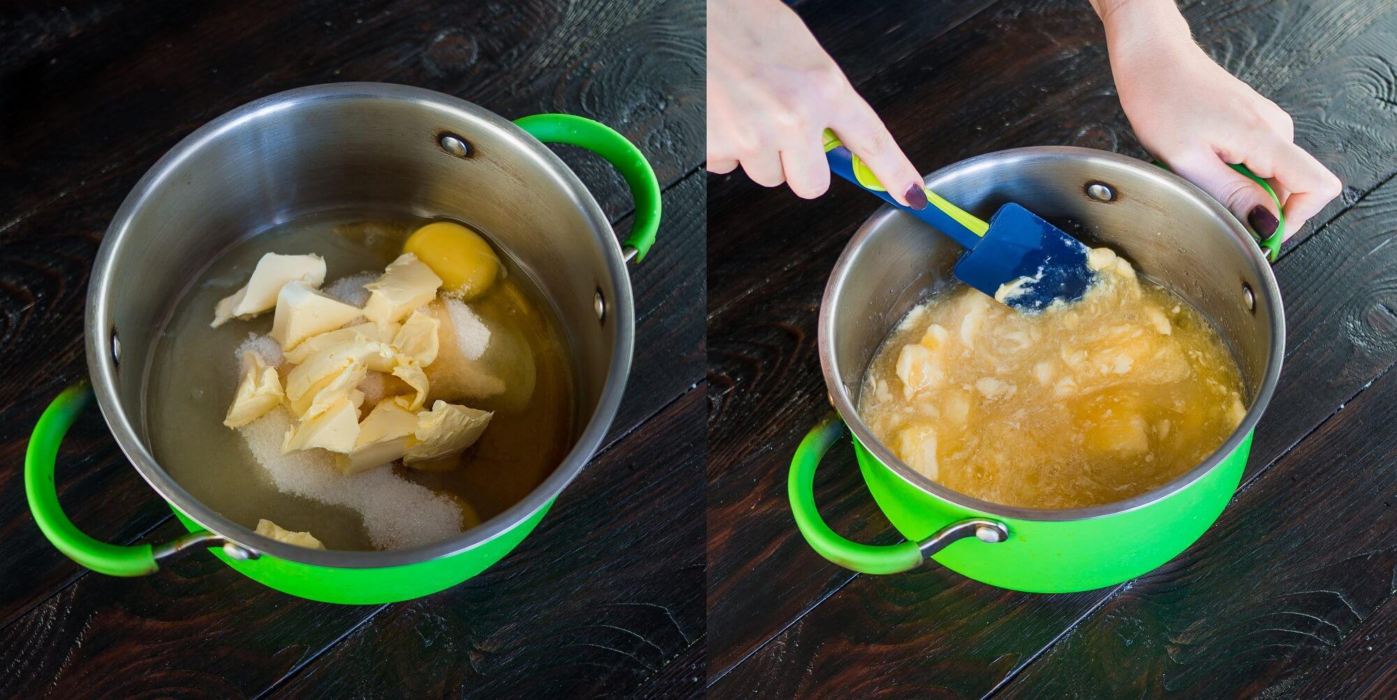 Смешайте яйца, масло, сахар и мёд