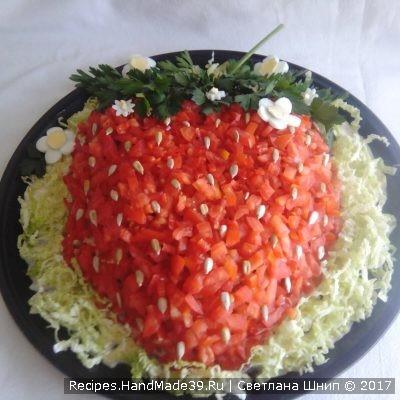 Салат «Клубничка» с курицей и помидорами – пошаговый рецепт с фото