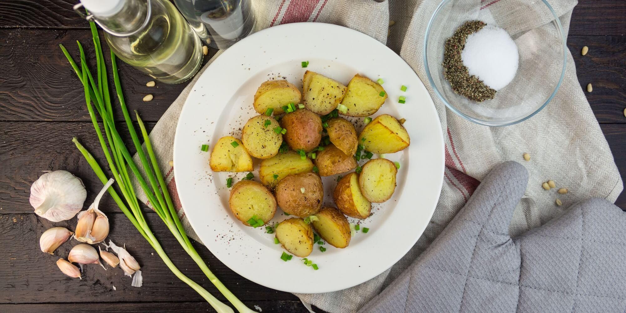 Как приготовить хрустящий картофель, запечённый с уксусом и солью – пошаговый рецепт с фото