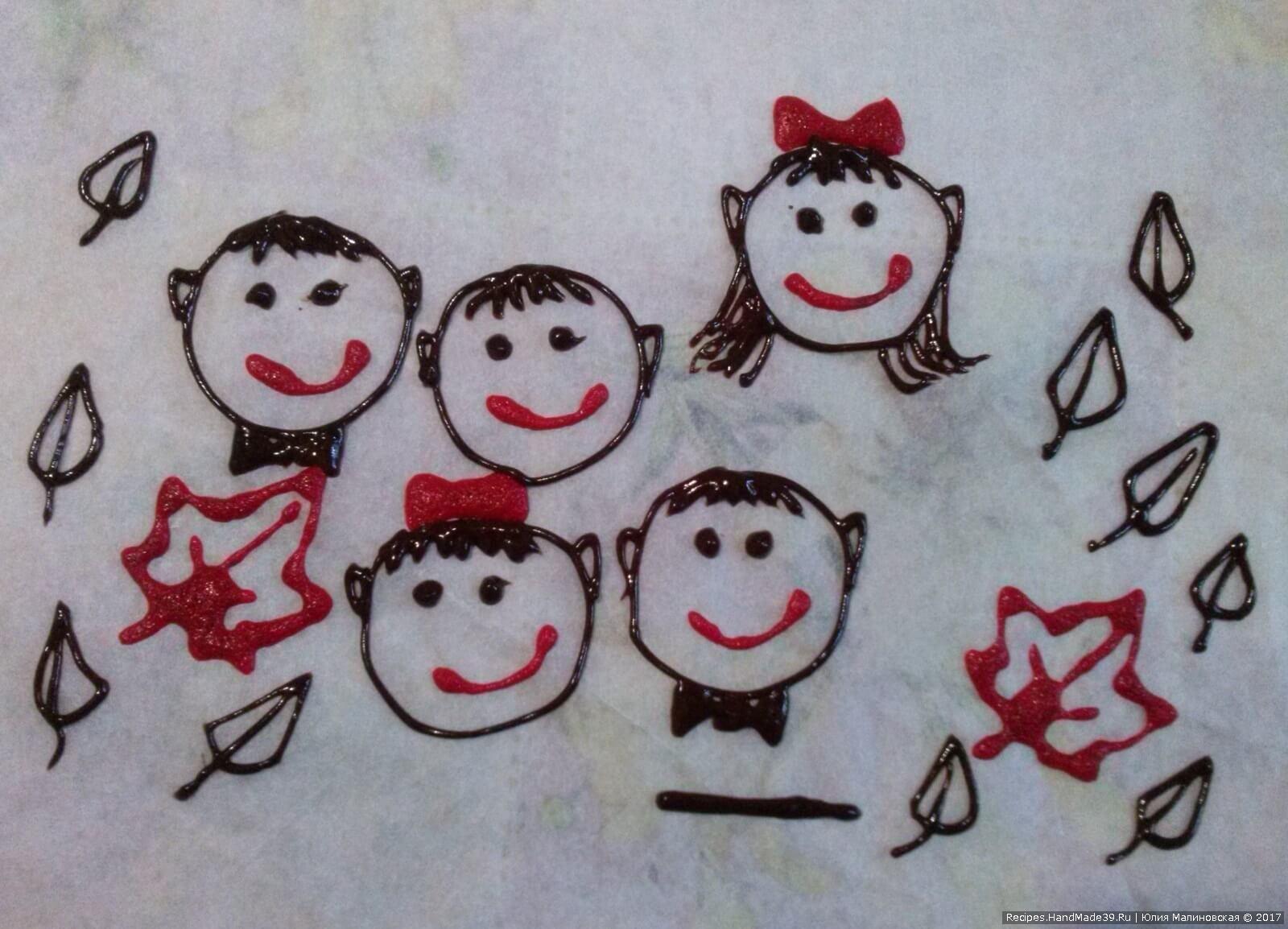 Достаём и рисуем коричневым тестом контур лица, глаза, бабочки мальчикам, волосы, уши и контур листьев