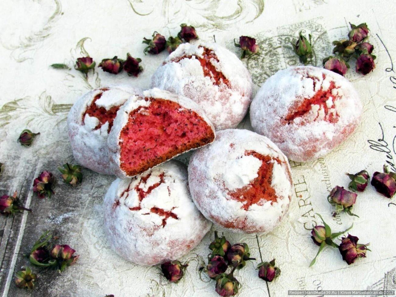 Розовое печенье «Трещинки» с маком