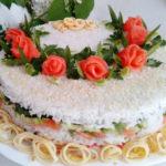 Салат суши в виде торта