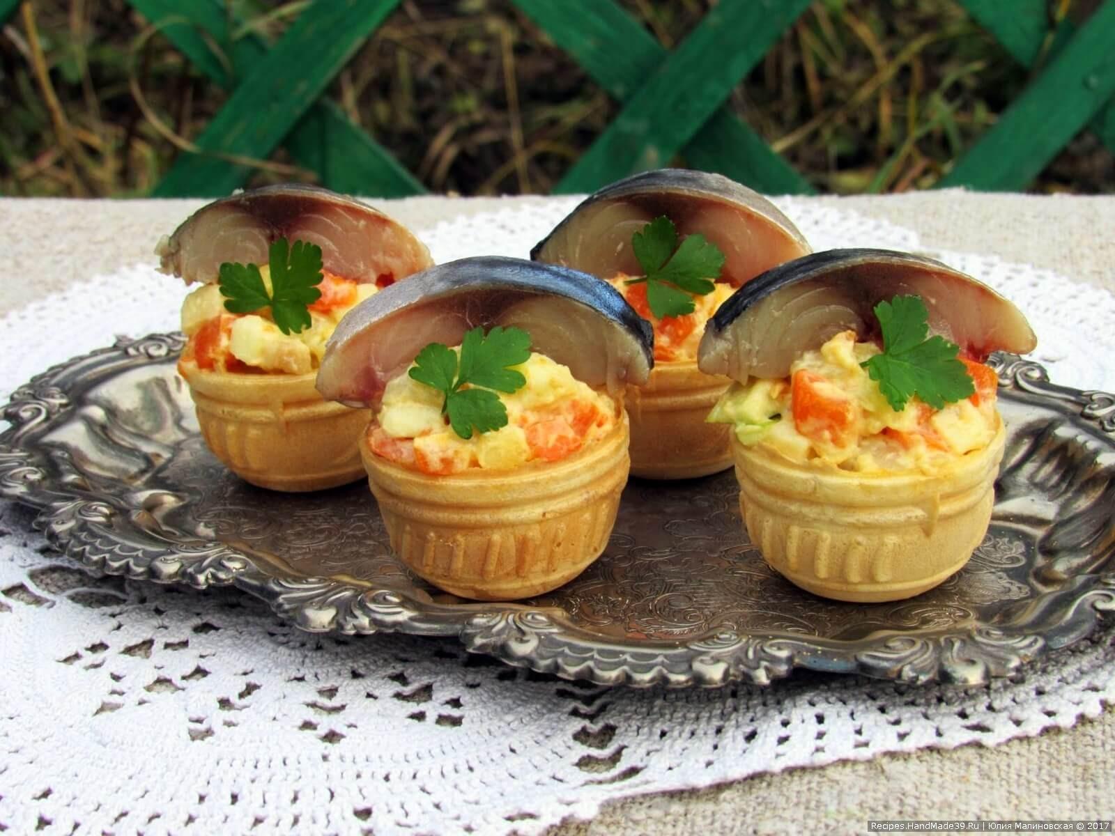Овощная закуска со скумбрией в тарталетках– пошаговый рецепт с фото.