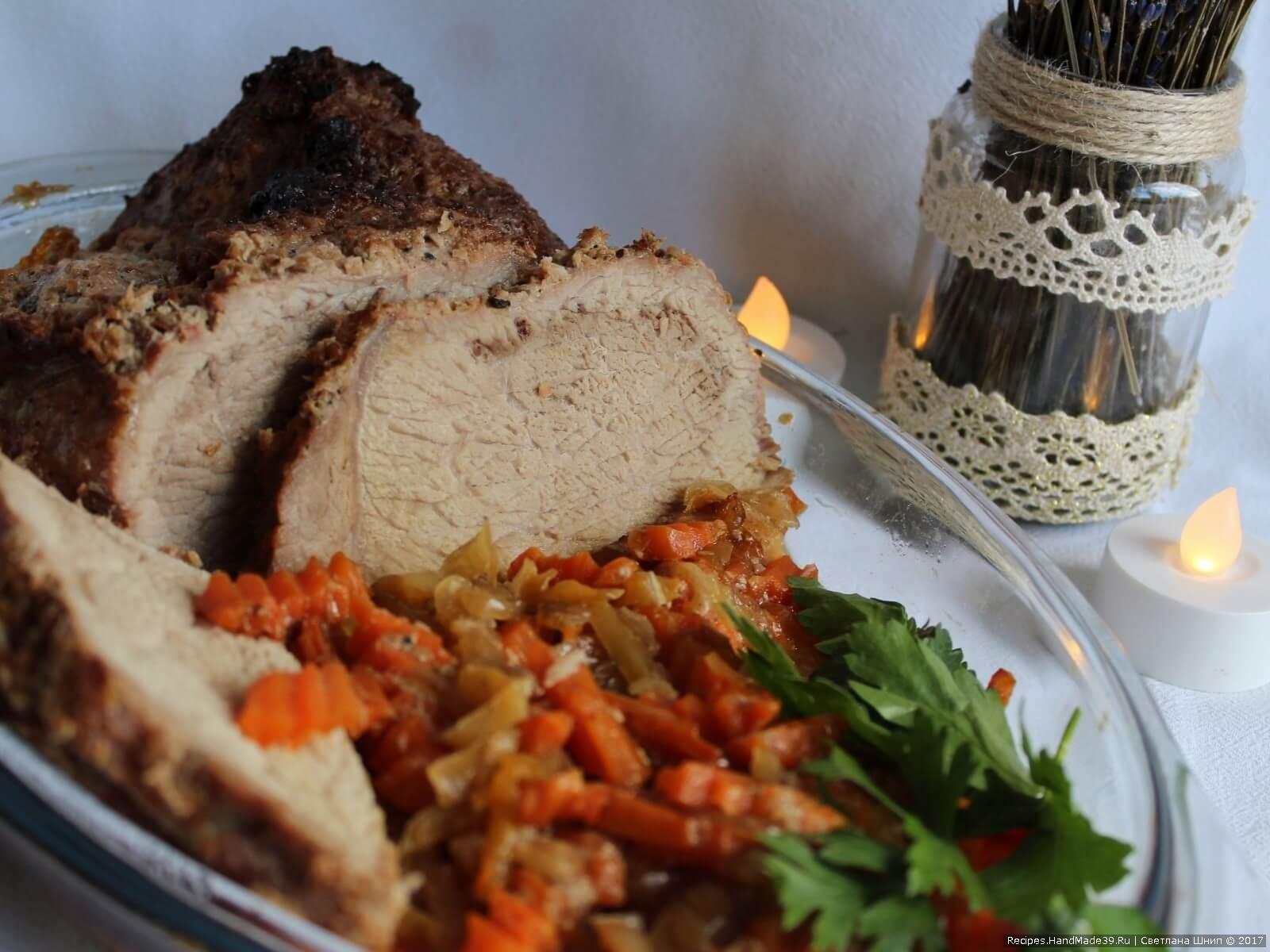 Мясо в маринаде с хреном, запечённое в духовке – традиционное блюдо русской кухни