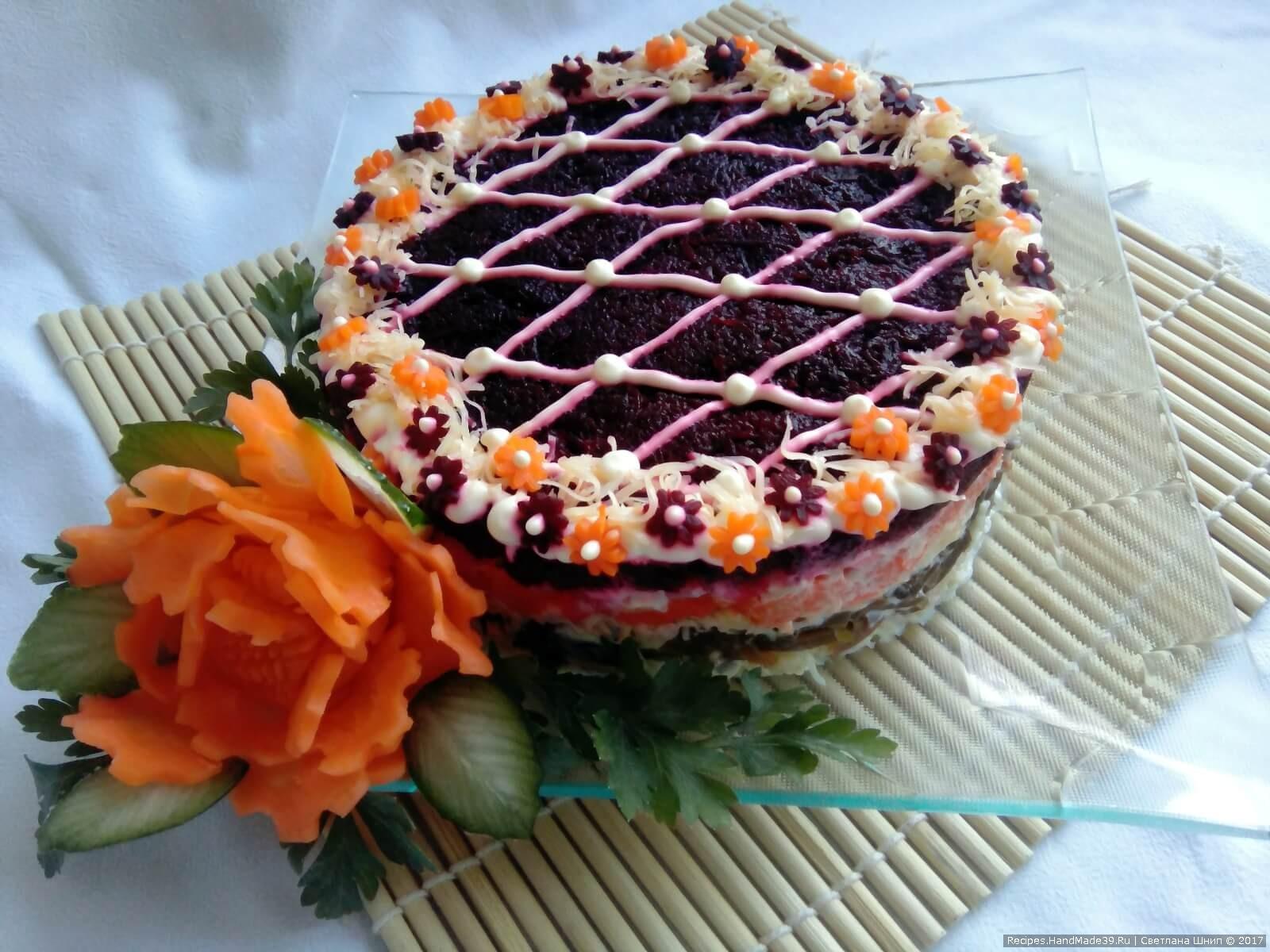 Вегетарианский салат «Шуба» с морской капустой готов! Приятного аппетита!