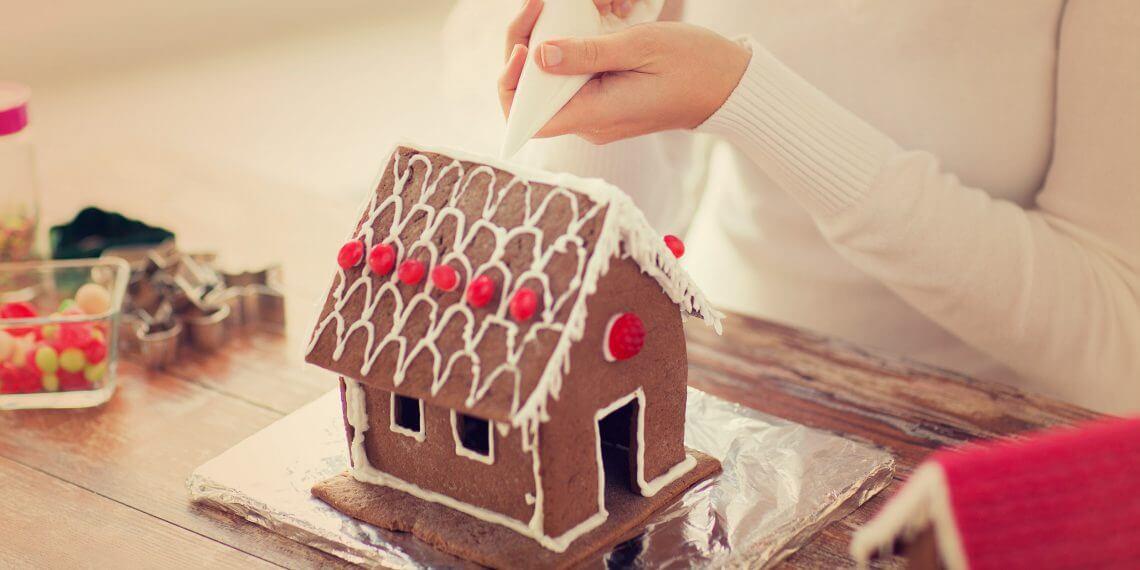 Как сделать пряничный домик своей мечты