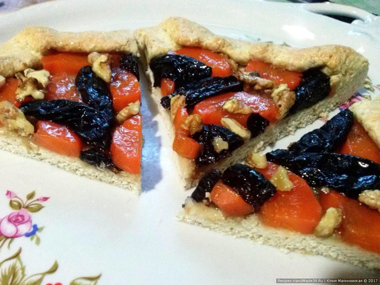Постная галета с морковью, орехами и черносливом