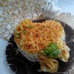 Арабский салат с курицей, капустой и картошкой фри