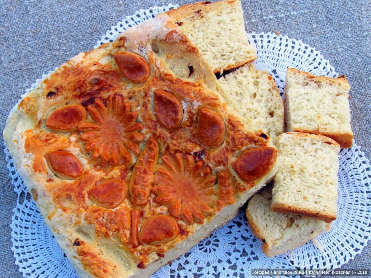 Картофельный хлеб на дрожжах с жареным луком