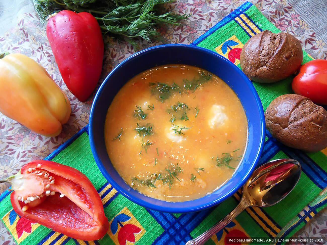 Крем-суп из перца с сырными клёцками