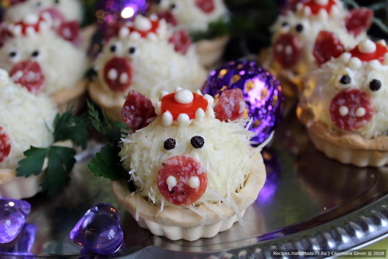 Новогодние тарталетки-свинки готовы. Приятного аппетита!