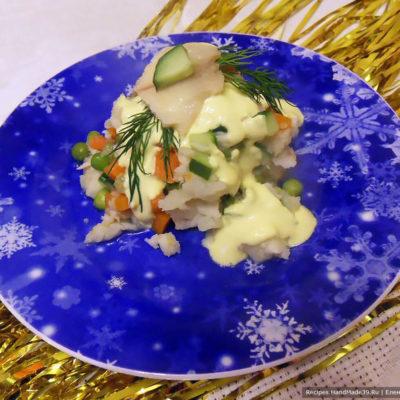 Рыбный «Оливье» с цветной капустой