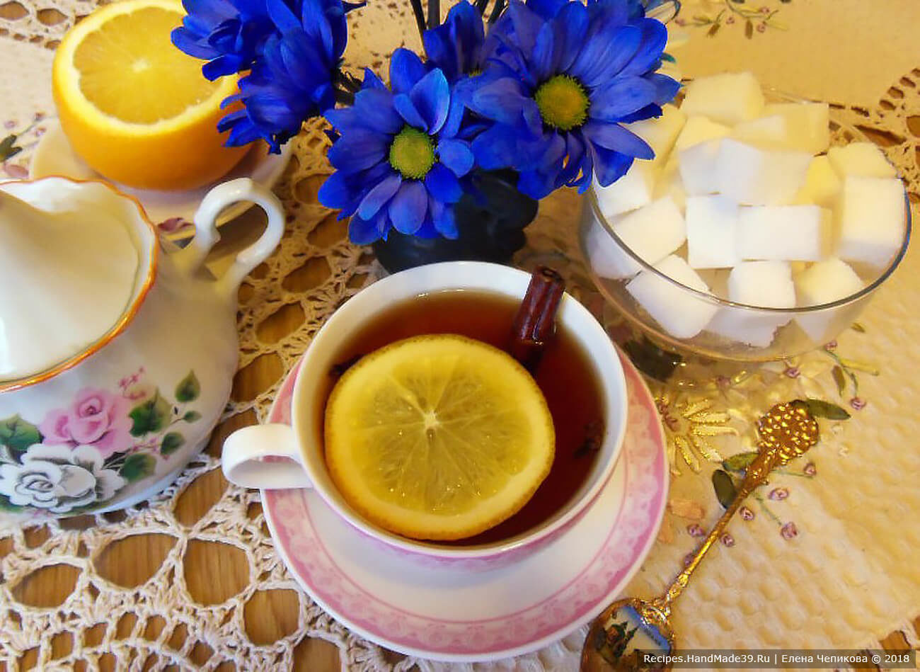 Согревающий чай с апельсином, корицей и ромом