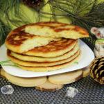 Лепёшки с сыром на кефире в сковороде