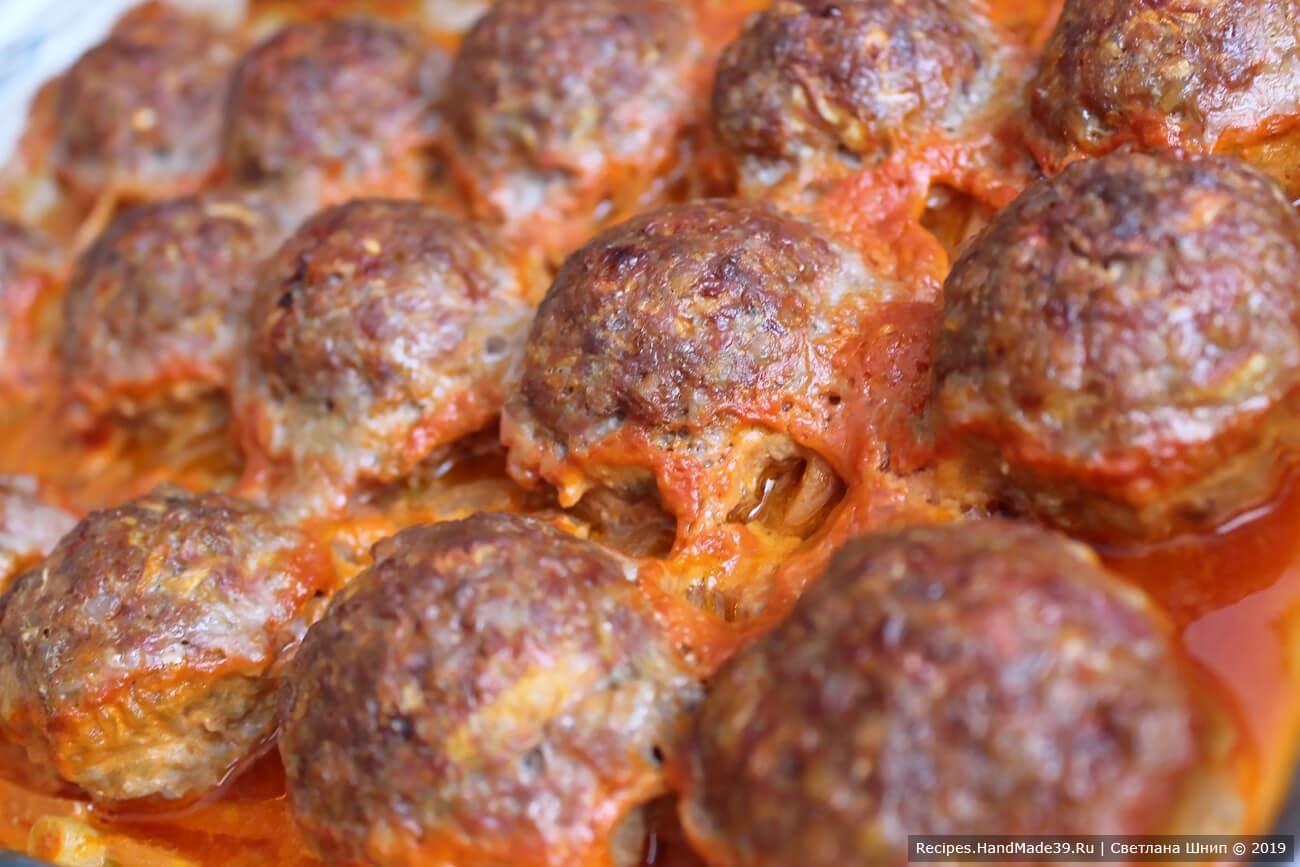 Запекать гречаники около 40 минут в духовке, разогретой до температуры 180 °C. Приятного аппетита!