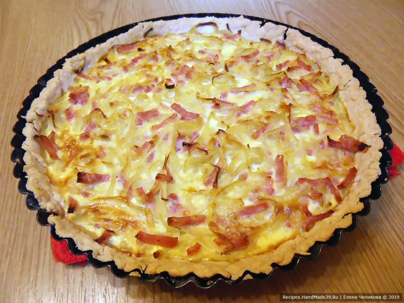 Французский луковый пирог – фото шаг 13. Пирог запекать 40 минут в духовке, предварительно разогретой до температуры 180 °C. Приятного аппетита!