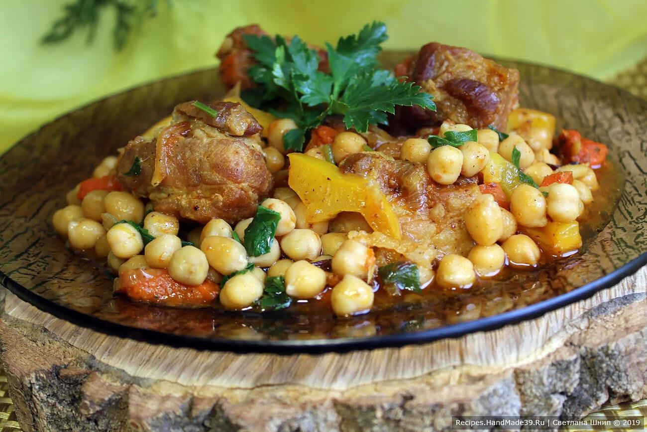 Гуштнут – вкусное мясо с горохом нут и овощами