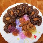 Домашние конфеты из овсяных хлопьев с какао и миндалём