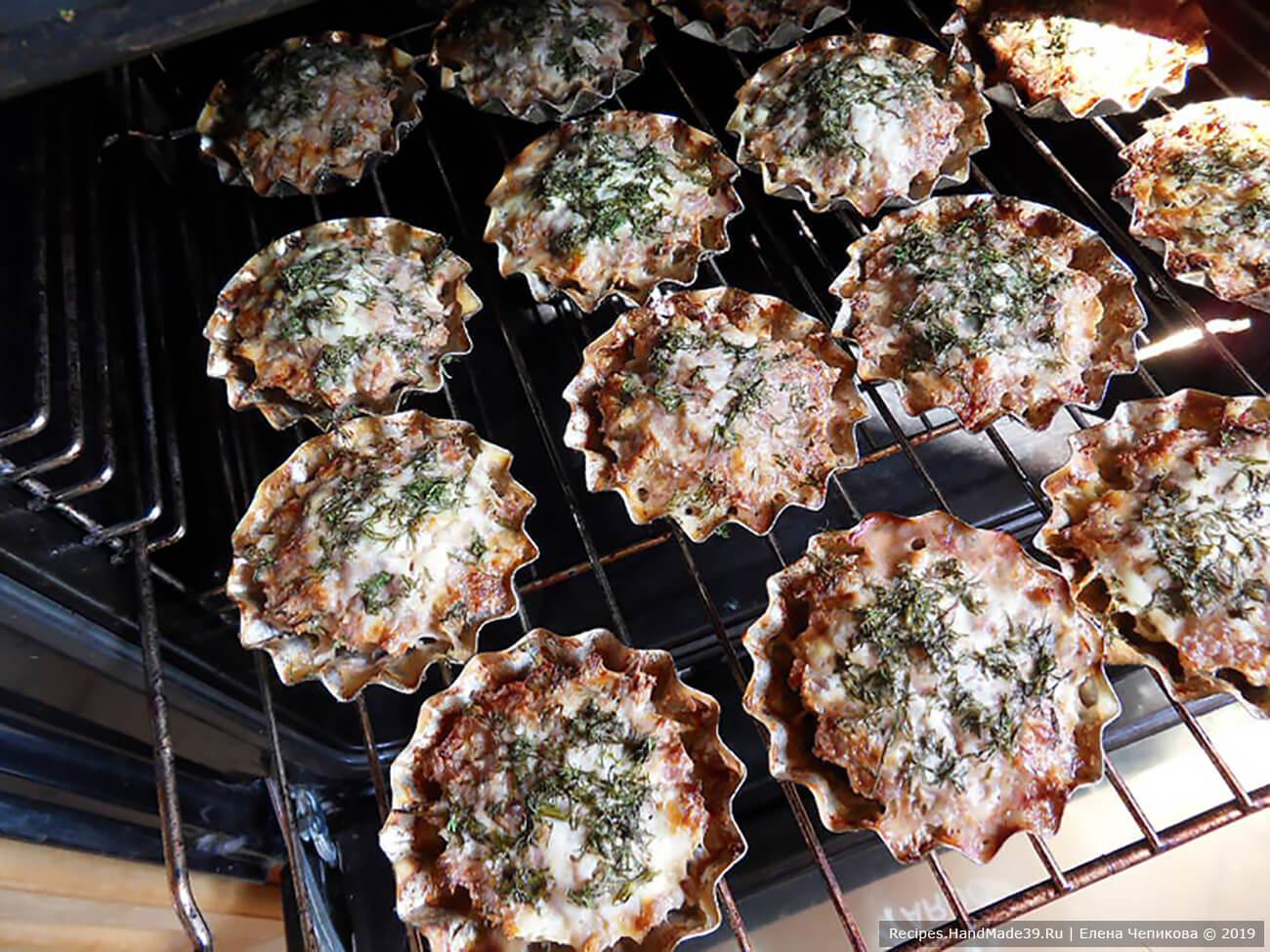 Запекать 30-40 минут в духовке, разогретой до температуры 200 °C. Приятного аппетита!