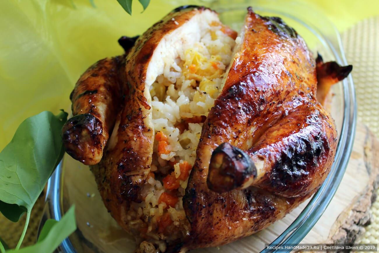 Курица, фаршированная рисом, курагой, изюмом и апельсином