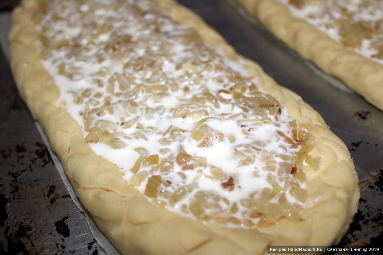 Швабский луковый пирог – фото шаг 13. Залить яично-сметанной смесью
