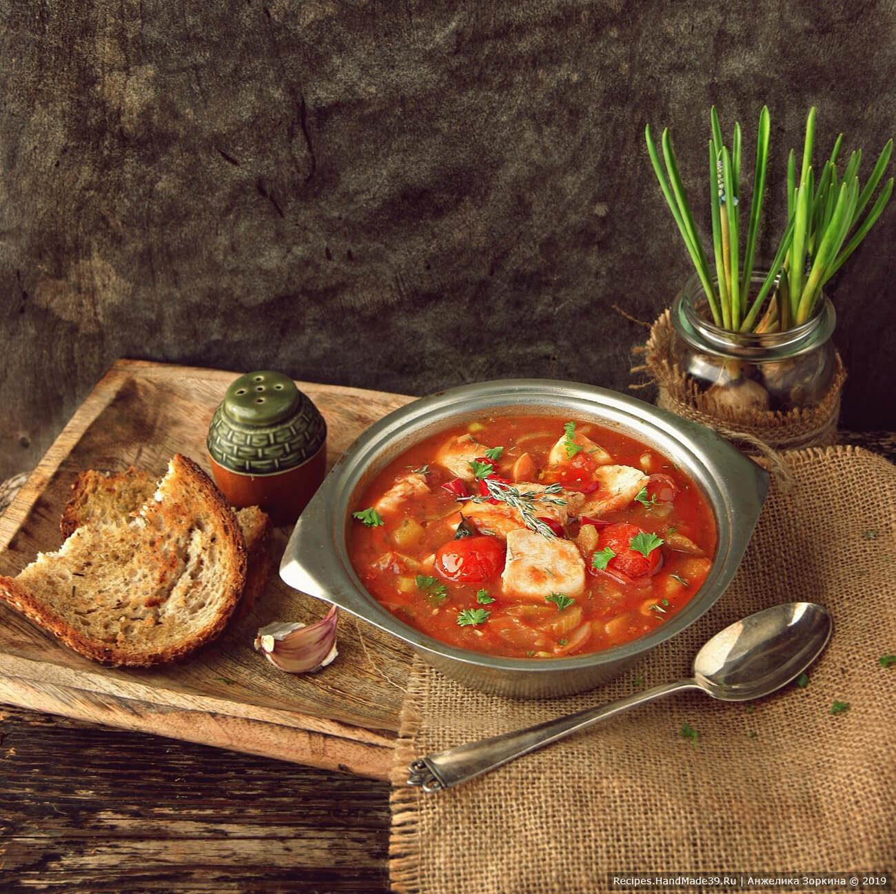 Итальянский рыбный суп с томатами