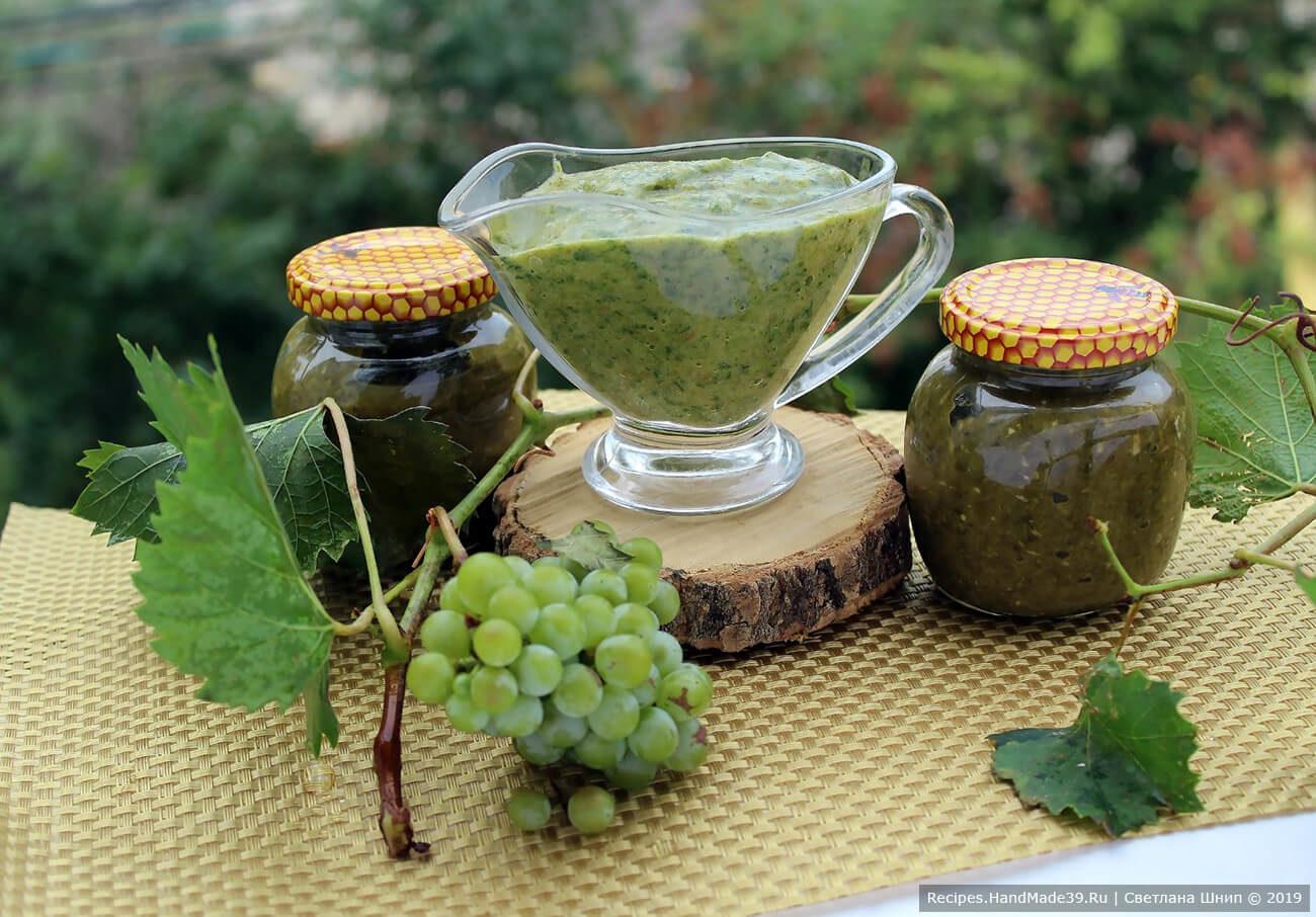 Соус ткемали из зелёной сливы