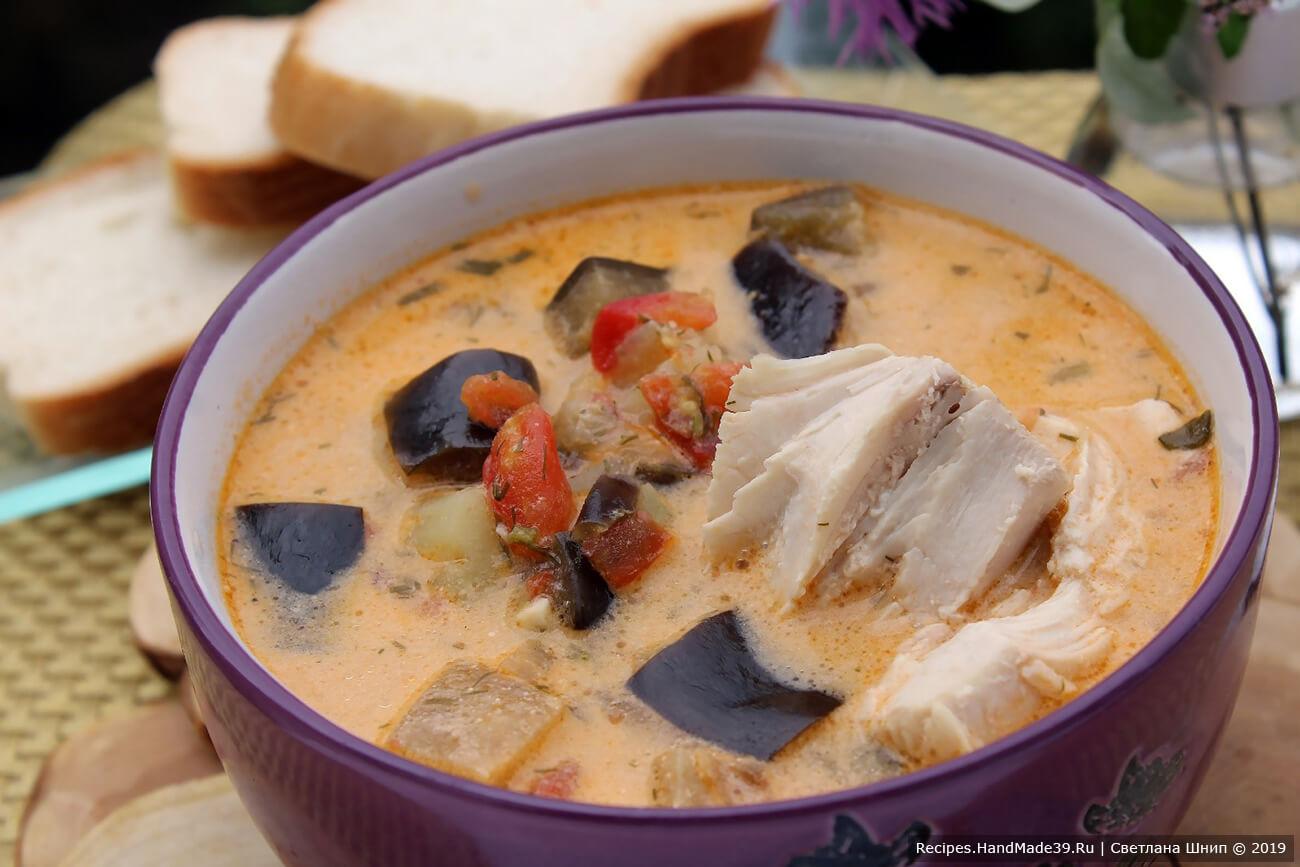 Наслаждайтесь полезным и сытным баклажановым супом, приятного аппетита!