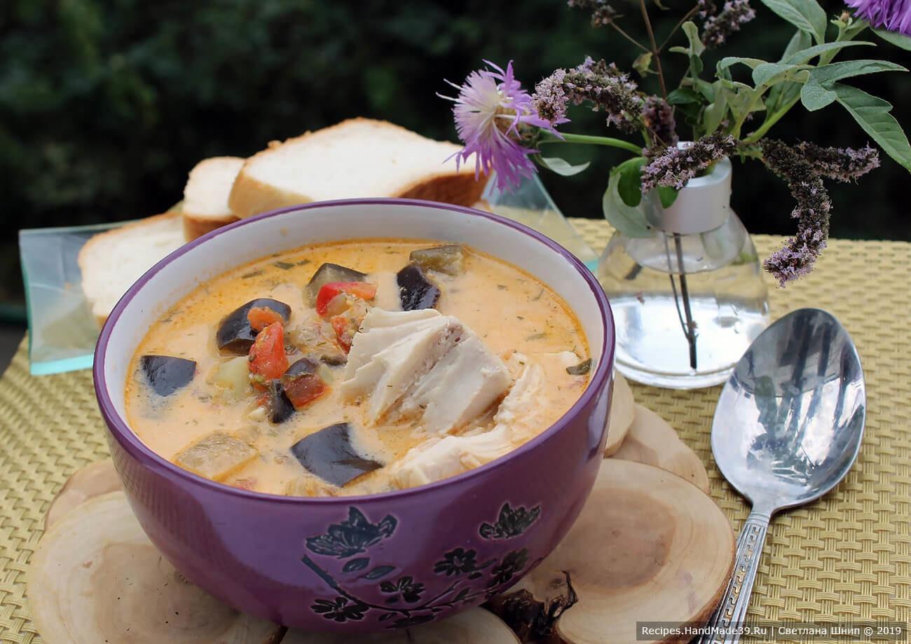 Баклажановый суп на курином бульоне