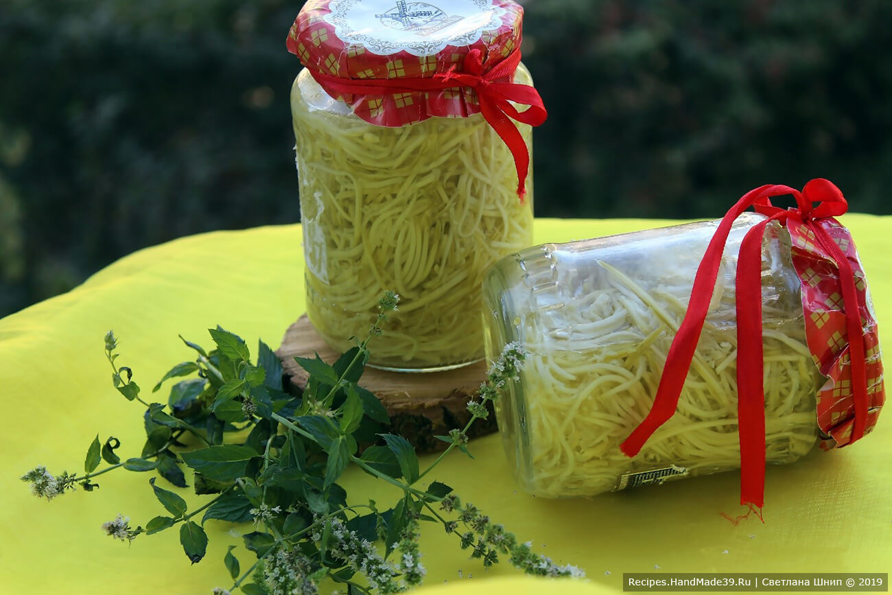 Спагетти из кабачков в банках