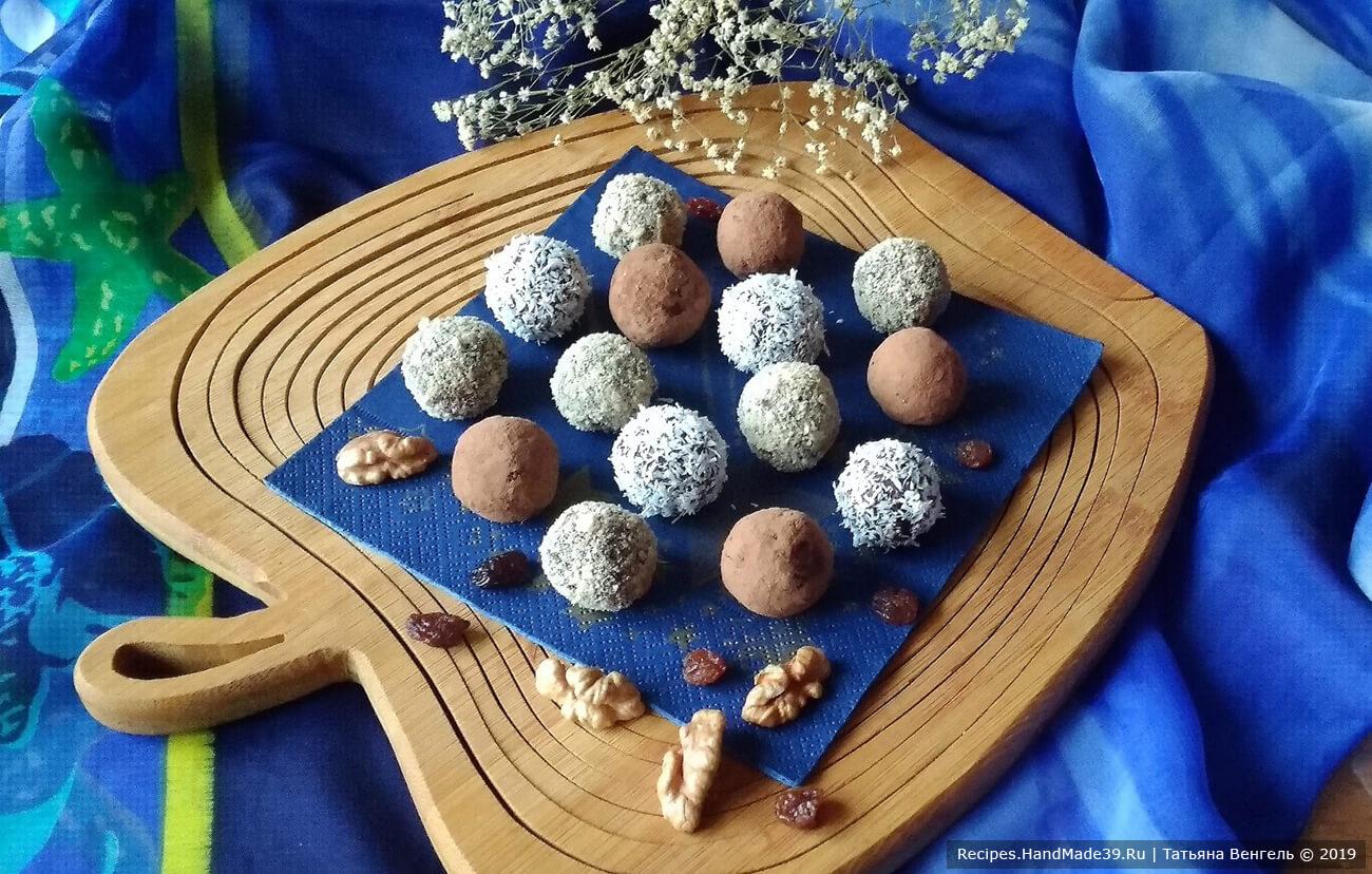 Конфеты из овсяных хлопьев с орехами, черносливом и изюмом
