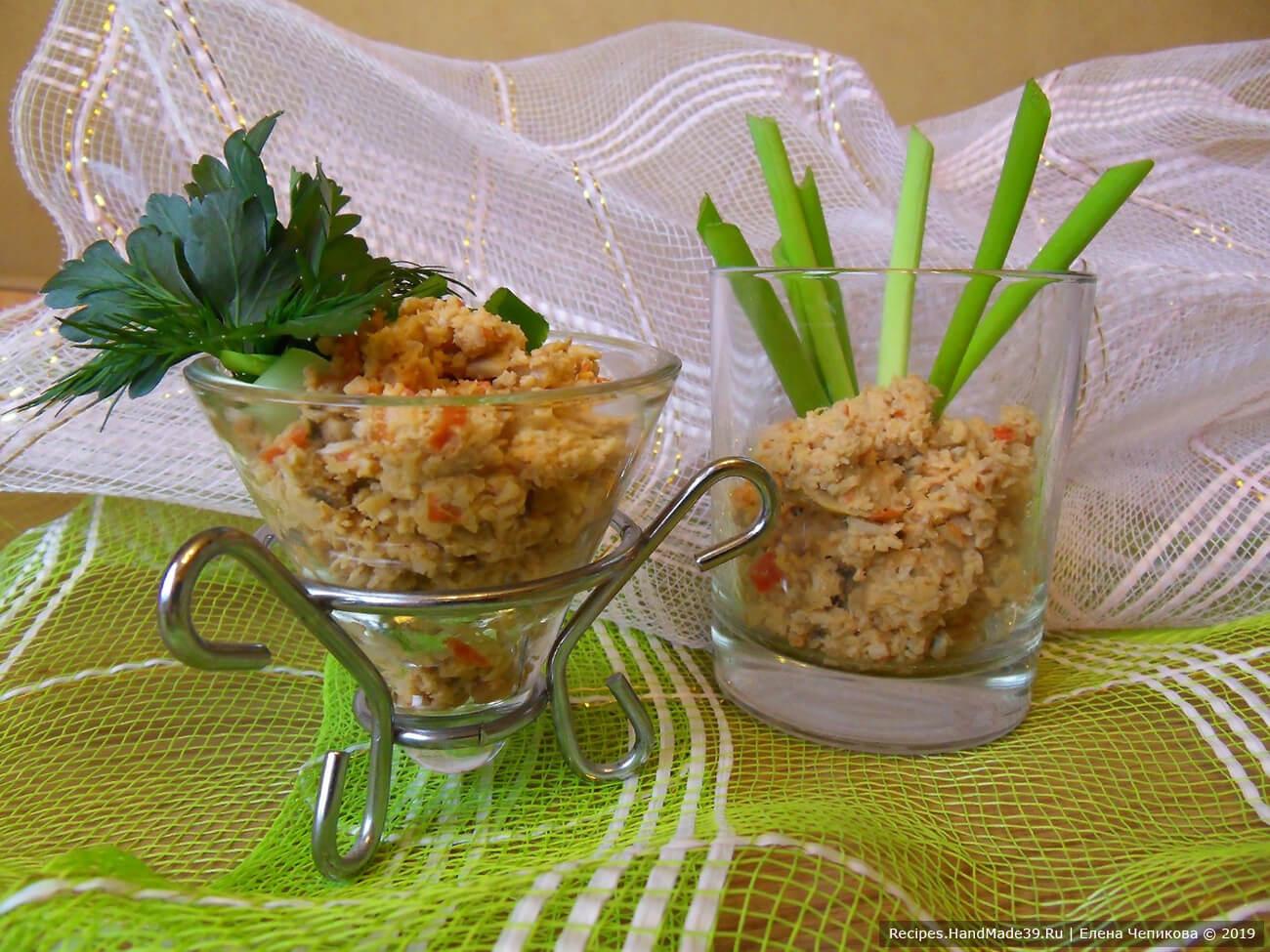 Закусочная «икра» из консервированных кальмаров