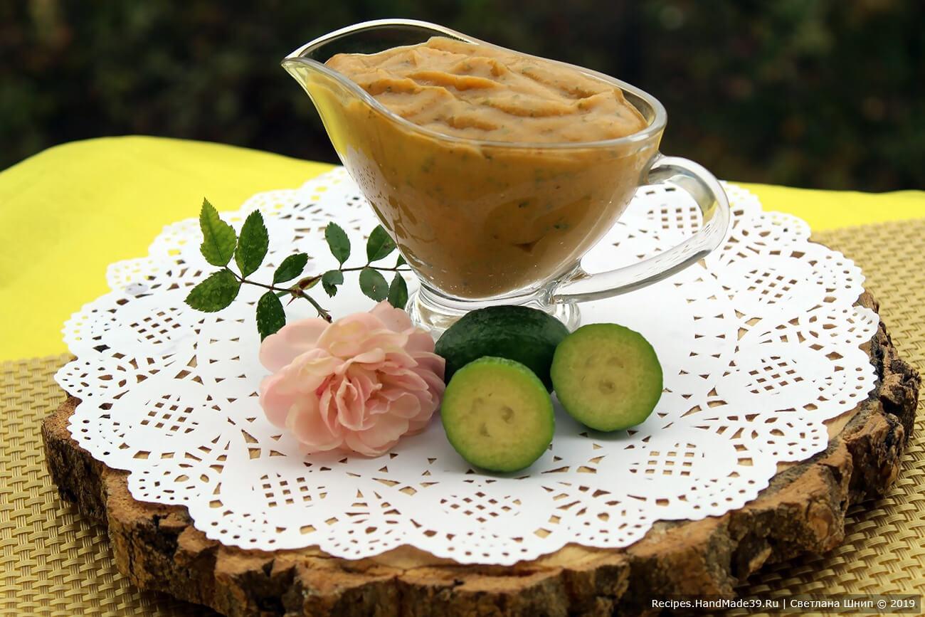 Соус получается густым. При желании его можно разбавить фруктовым соком или йогуртом