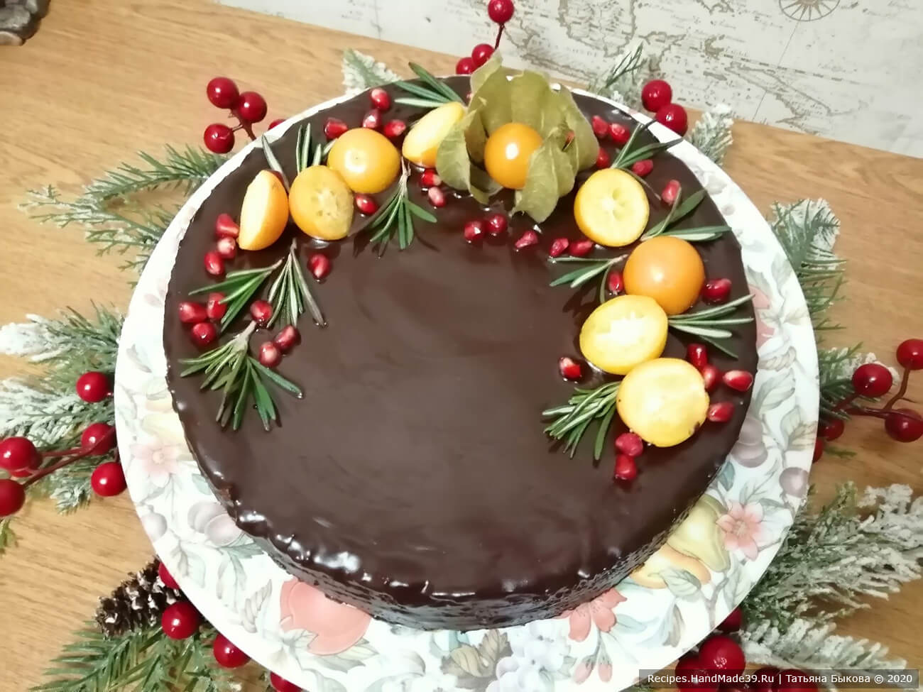 Получившийся баумкухен – немецкий «дерево-пирог» с апельсиновым джемом – украсить по желанию, приятного аппетита!