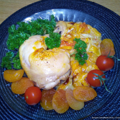 Курица, тушённая с курагой и помидорами – пошаговый рецепт с фото