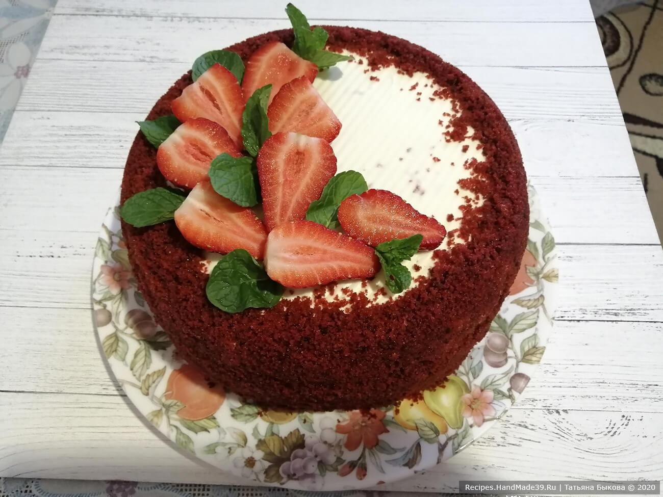 Бисквитный торт «Красный бархат» со сливочным кремом