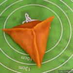 Треугольная форма пирожков из постного теста