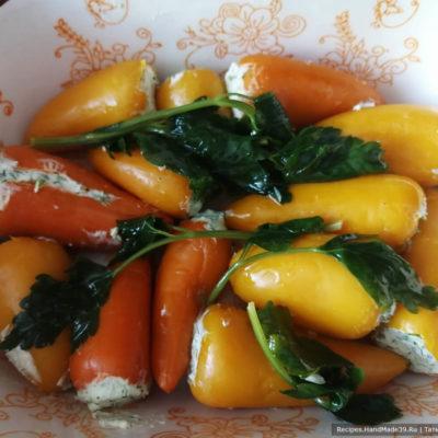 Фаршированные сыром болгарские перчики