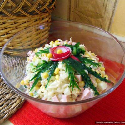 Салат с лапшой быстрого приготовления