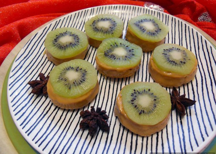 Ленивые пирожные «Сгущёнка и киви» – пошаговый рецепт с фото